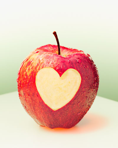 dd340-apple-with-heart